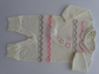 Picture baby footie mixed wool baby bear with stars. Colour creamy white, size 1-3 months
