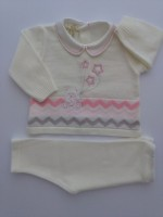 Baby outfit mixed wool baby bear image with stars. Colour creamy white, size 1-3 months