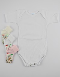 Underwear bodysuits and socks in cotton. Colour white, size 9-12 months