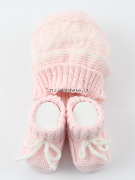 Hat and wool boots picture. Colour pink, one size Pink One size