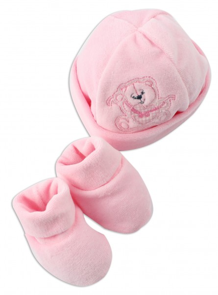 Hat and shoes image bear heart and bow. Colour pink, one size Pink One size