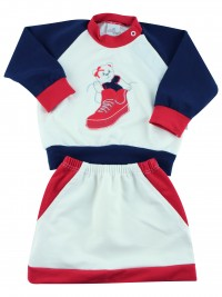 Picture baby footie outfit cotton sneaker. Colour creamy white, size 6-9 months