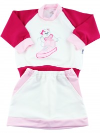 Picture baby footie outfit cotton sneaker. Colour pink, size 6-9 months