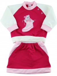 Baby footie outfit in cotton sneakers. Colour red, size 6-9 months