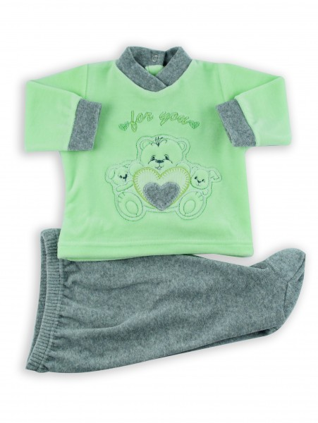 Picture baby footie outfit in chenille for you. Colour pistacchio green, size 1-3 months Pistacchio green Size 1-3 months