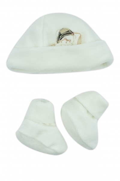 hat and shoes for newborns in creamy white chenille. Colour creamy white, one size Creamy white One size